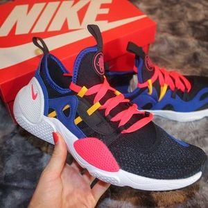 Nike Huarache Sneakers NWT